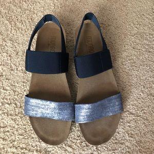 Munro Pisces Sandal Blue/ Silver size 10